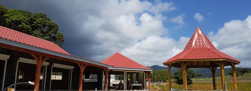 TPG produit des pièces pliées pour raccorder vos tôles ondulées pour vos toitures et vos bardages aux dimensions souhaitées.