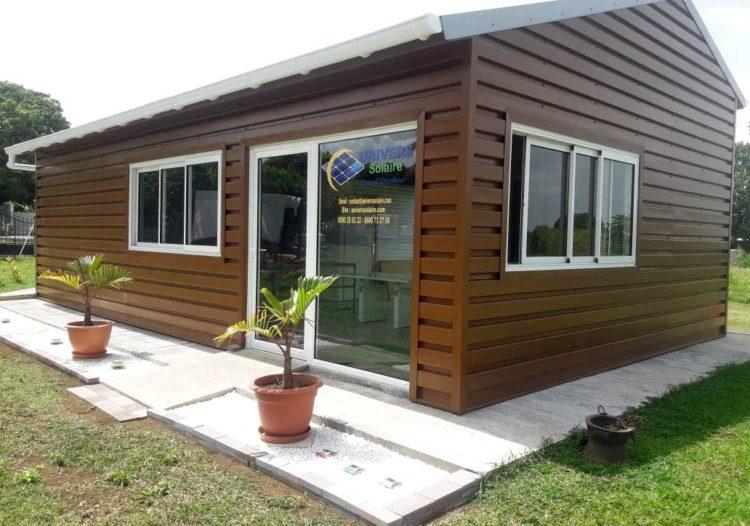 Bardage en tôle Guadaba, couleur chêne clair pour un local professionnel en Guadeloupe par TPG